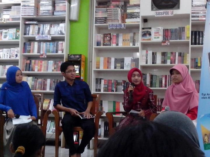 Ki- Ka: Vivi (MC), Mr.Moz, Rhegita dan Rescue Iffah.
